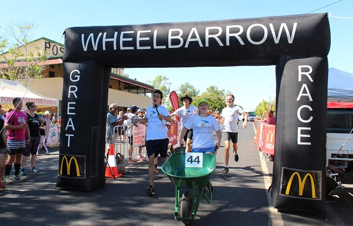 wheelbarrow race