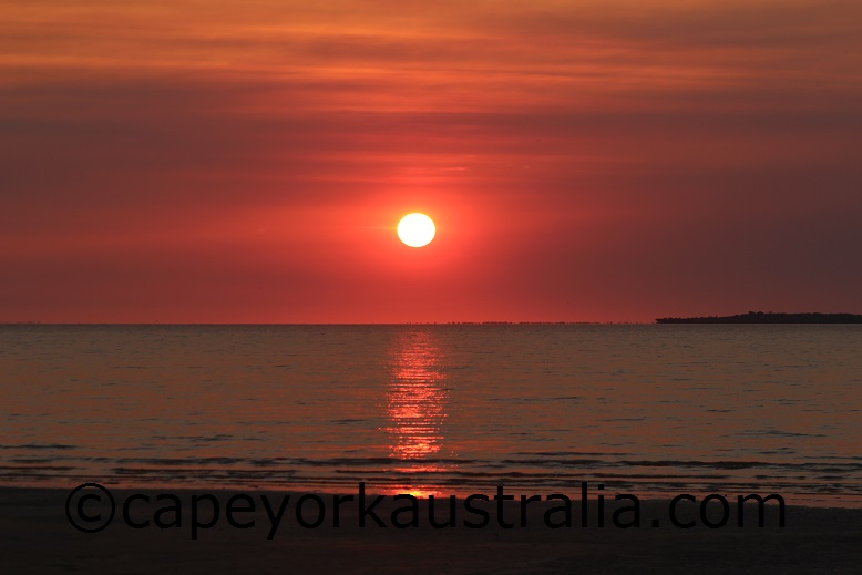 weipa sunset rocky point beach