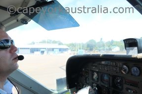horn island airport flight