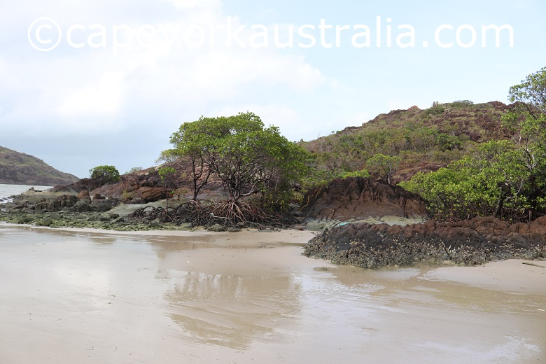 tip of australia bottom walk slippery