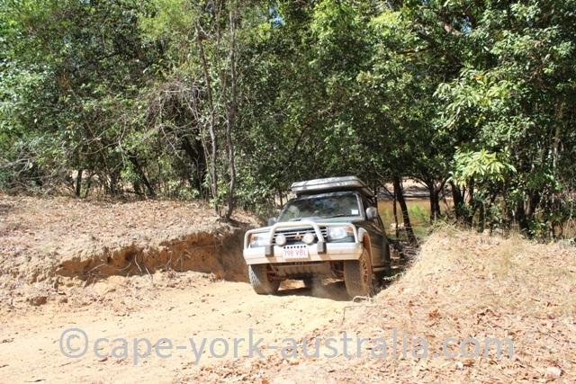 4wd mitchubishi pajero falls track