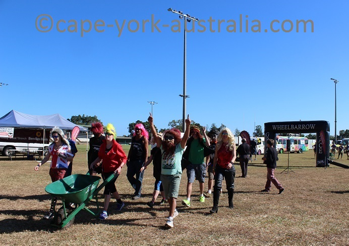 wheelbarrow race mareeba