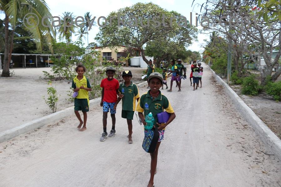 sue island kids