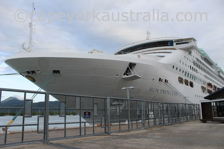 cairns cruise ship