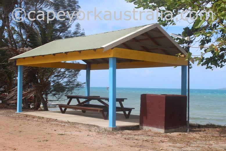 hammond island picnic table
