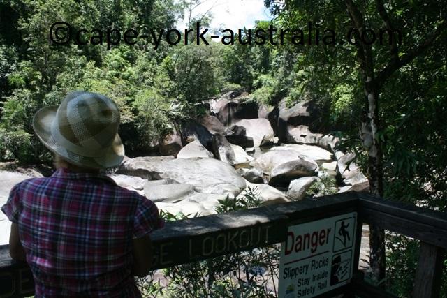 babinda boulders lookout