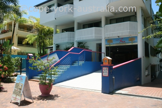by the sea apartments port douglas
