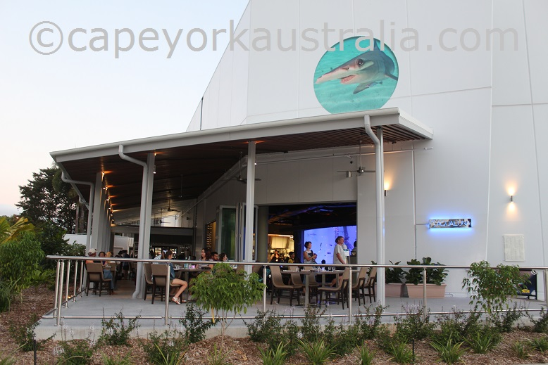 cairns aquarium restaurant