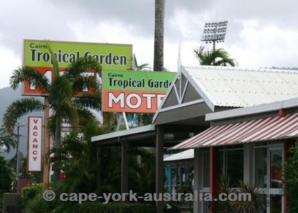 cairns motels