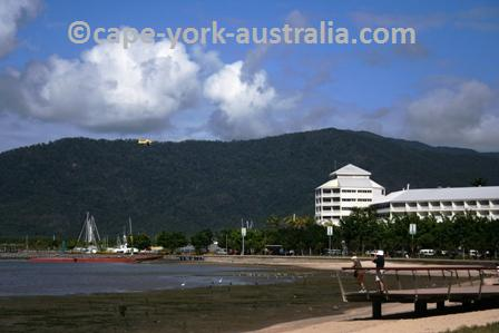cairns nightlife