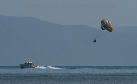cairns parasailing
