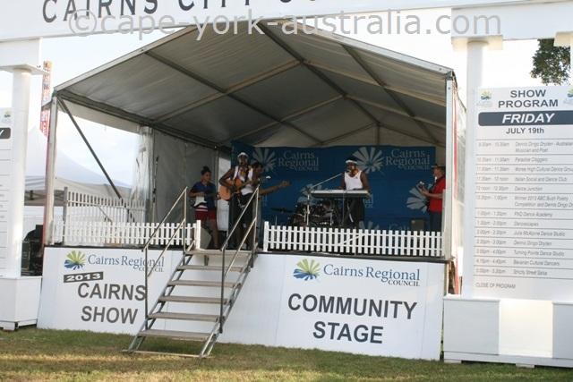 cairns show live music