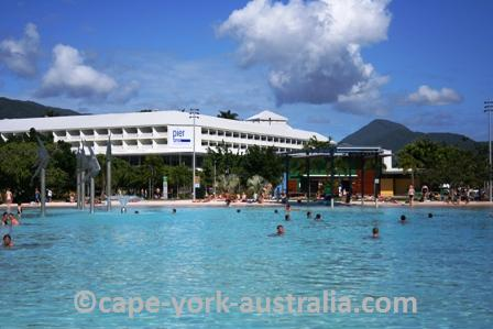 cairns weather
