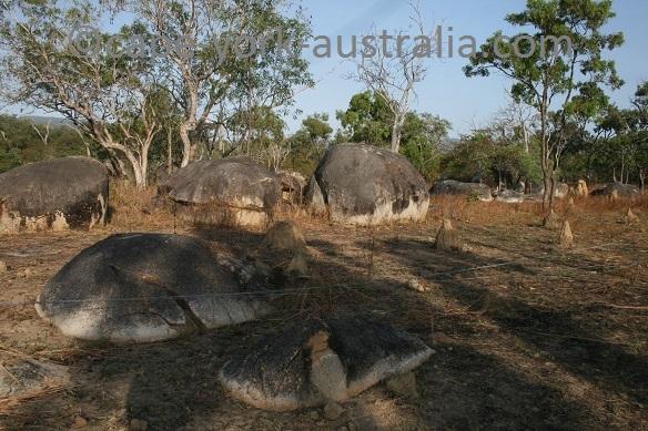 cape melville road granite boulders