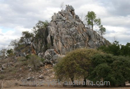 chillagoe limestone bluffs