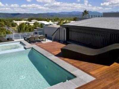 coconut grove apartments port douglas