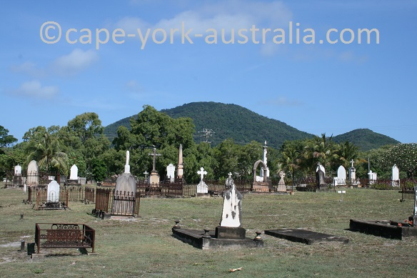 cooktown cemetery walk