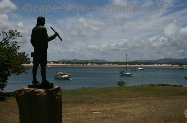 cooktown james cook statue
