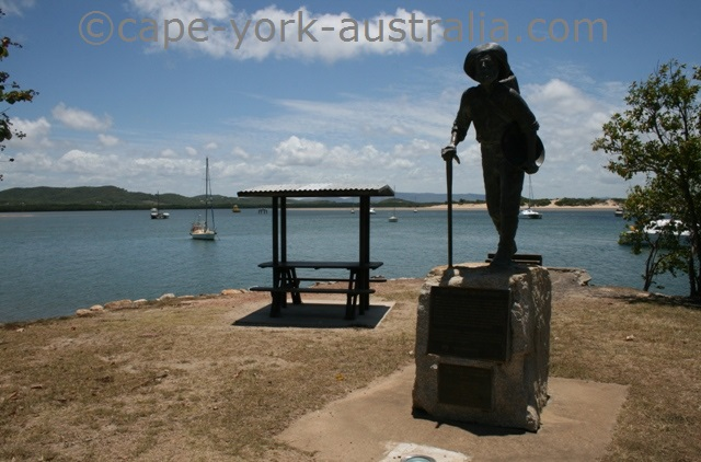 cooktown miners statue