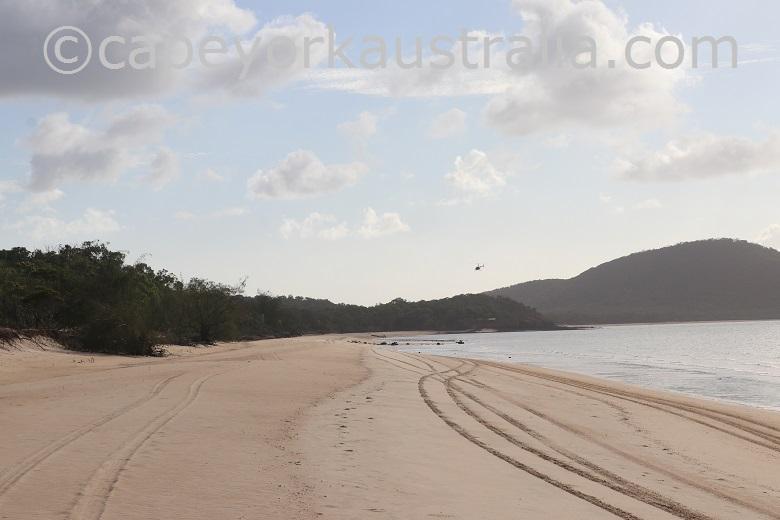 crocodile creek beach drive to punsand