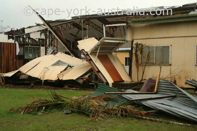 cyclone larry damaged house