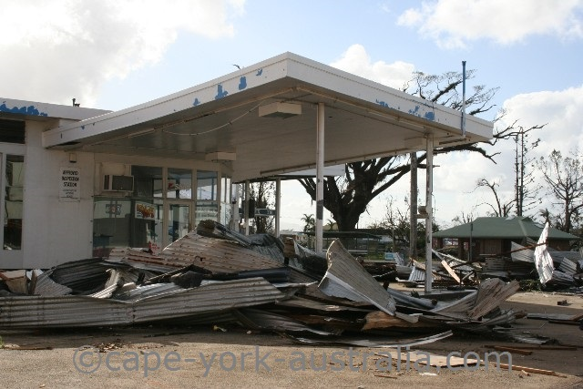 cyclone larry innisfail fuel station
