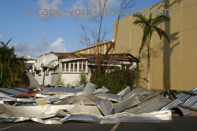 cyclone larry innisfail roof