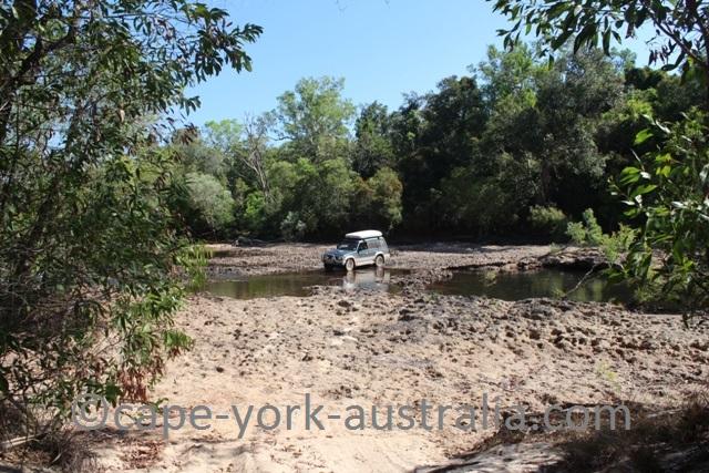 falls track wenlock river crossing
