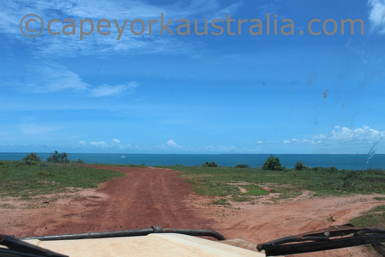 five beaches track to fly point