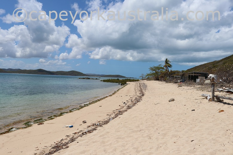 goods island beach track