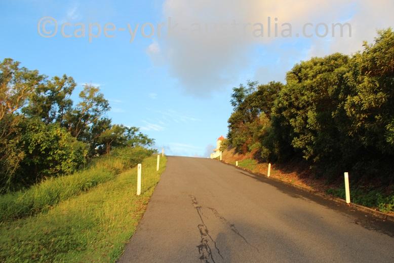 grassy hill walk lighthouse