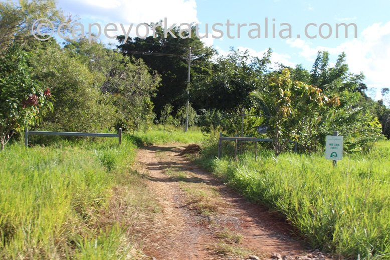 hilltop farmstay cooktown