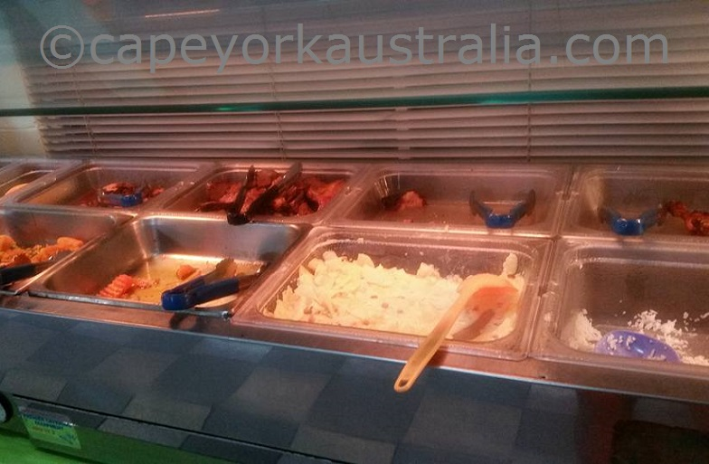 horn island resort buffet dinner