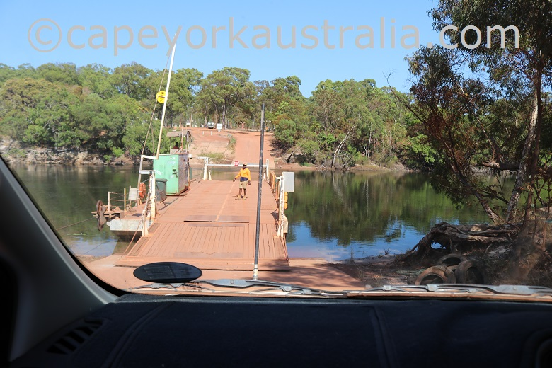 jardine river getting on the ferry north