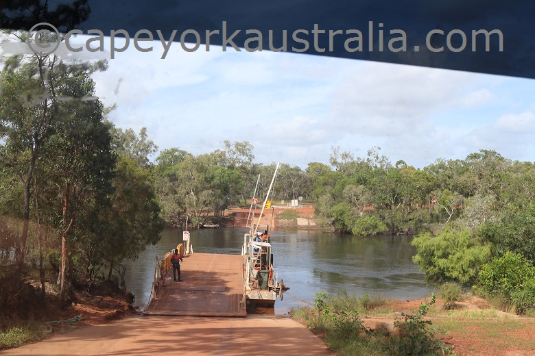 jardine river getting on the ferry south