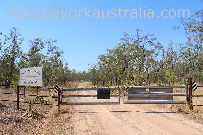 kimba to gamboola road wrotham station sign