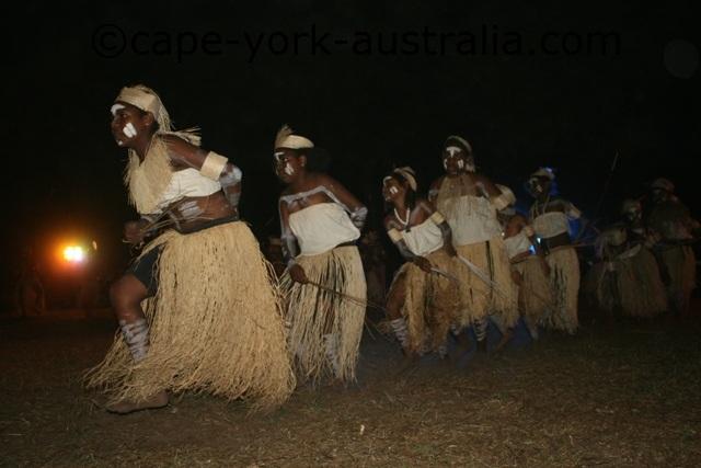 injinoo dancers