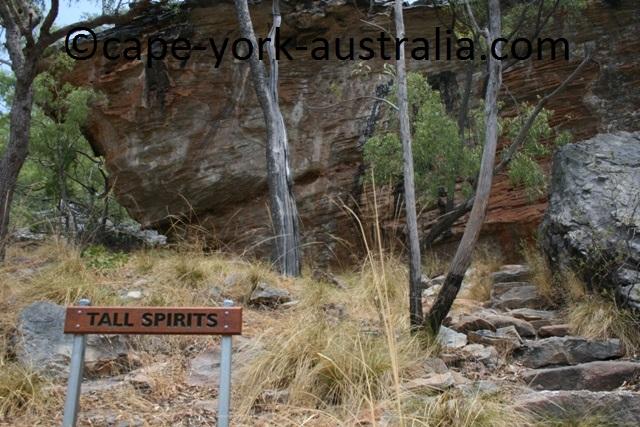 laura tall spirits art site