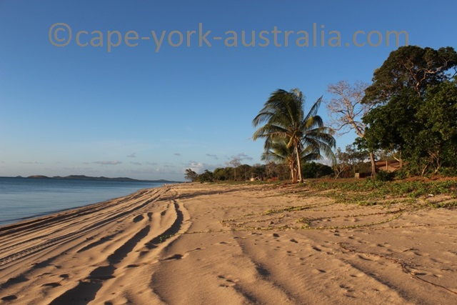 loyalty beach queensland