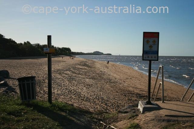 machans beach cairns