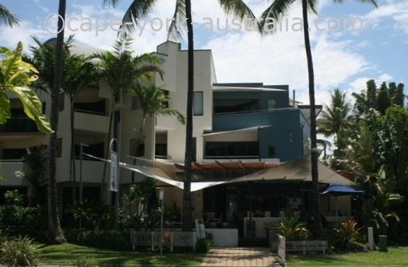 peninsula boutique hotel port douglas