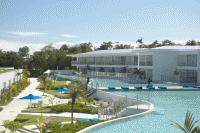 pool resort port douglas