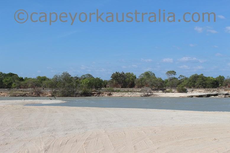 pormpuraaw mungkan river