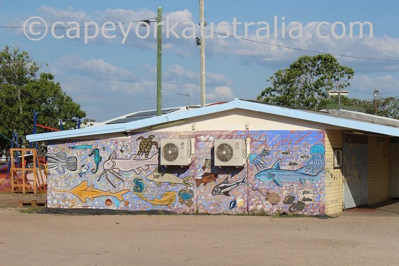 pormpuraaw murals