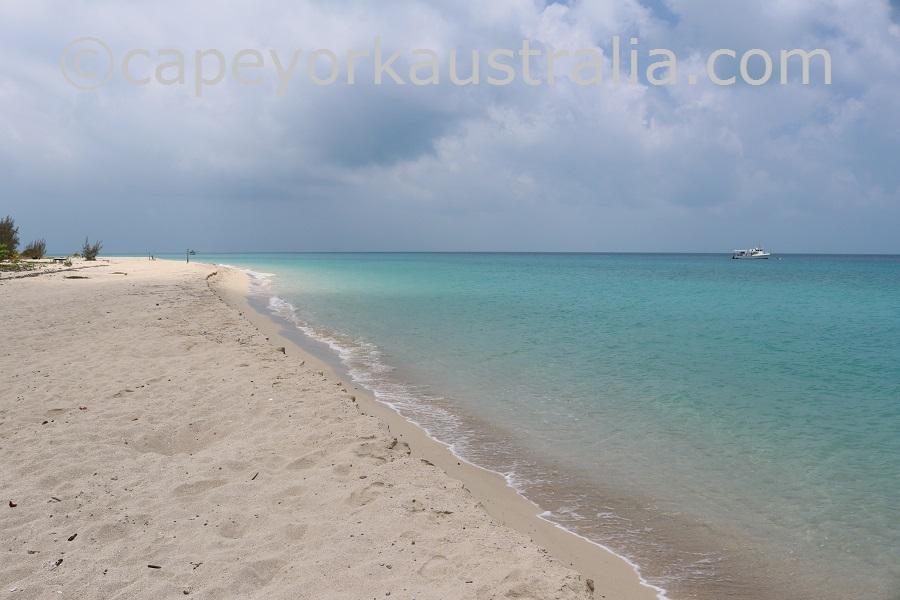 poruma island beach