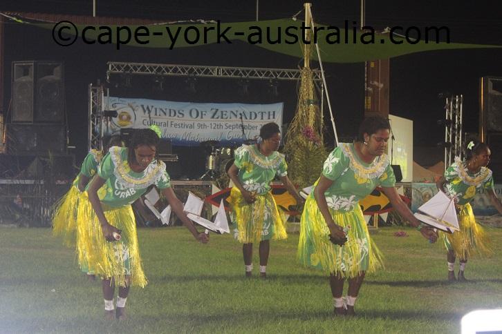 poruma island dancers