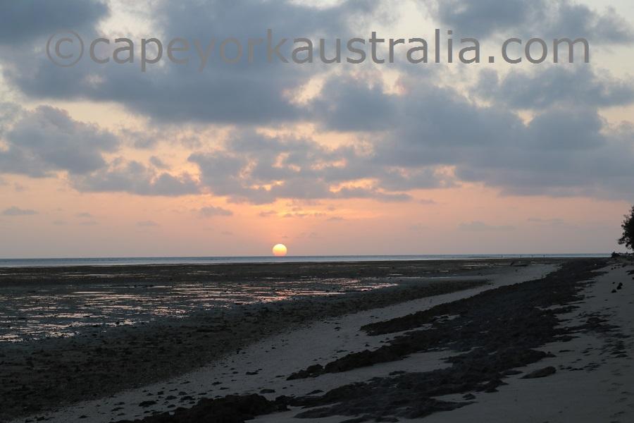 poruma island sunset