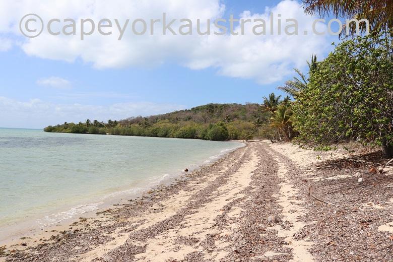 pow port lihou island beach