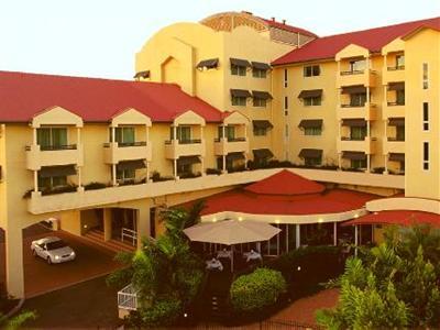 quality hotel sheridan plaza cairns
