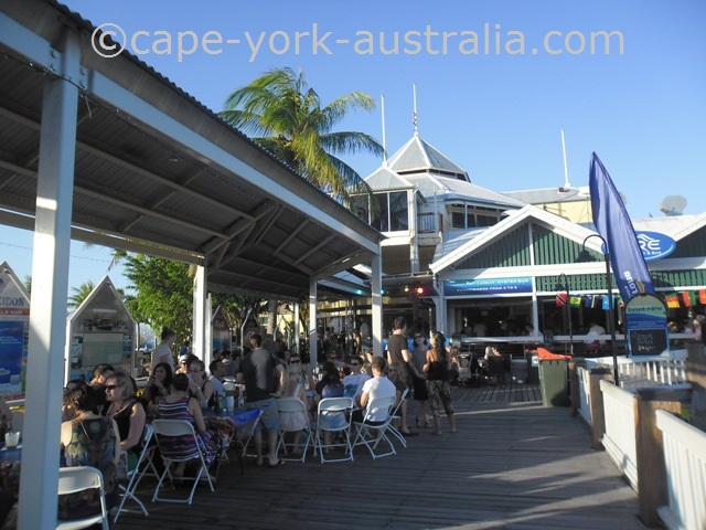 restaurants port douglas